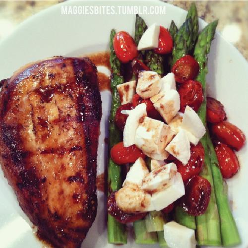Balsamic Chicken and Asparagus via lilblueboo.com