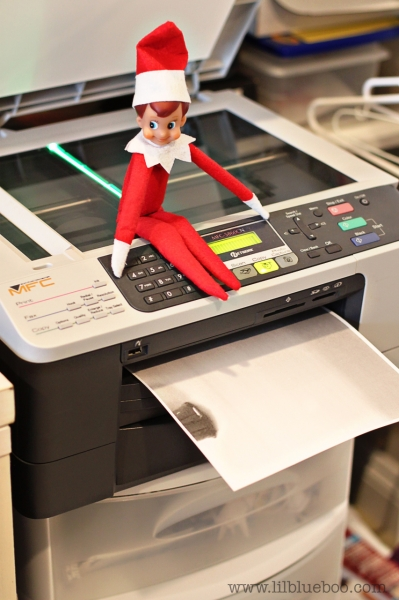 Bum Copying Elf on the Shelf via lilblueboo.com