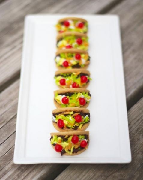 Cinco de Mayo Party Ideas: Taco Cookies via Project Denneler at lilblueboo.com