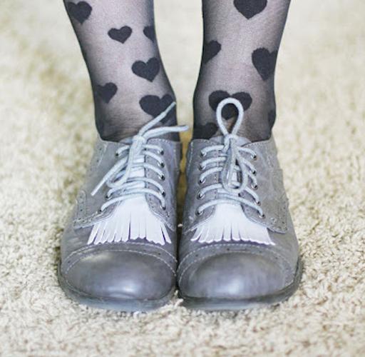 diy shoe fringe update via lilblueboo.com