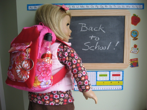 Doll backpack tutorial from A Doll for all Seasons via lilblueboo.com