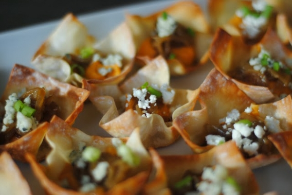 Easy Appetizer Idea: Cheddar Pumpkin Wonton Cups by Sundae Brunch via lilblueboo.com