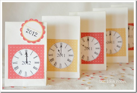 New Year's Eve Countdown Bags by The Idea Room via lilblueboo.com