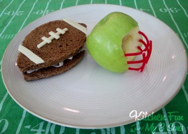 Kid Friendly Super Bowl Ideas: Football Snacks via lilblueboo.com