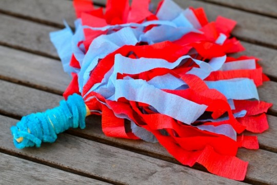 Kid Friendly Super Bowl Ideas: DIY Pom Poms  via lilblueboo.com