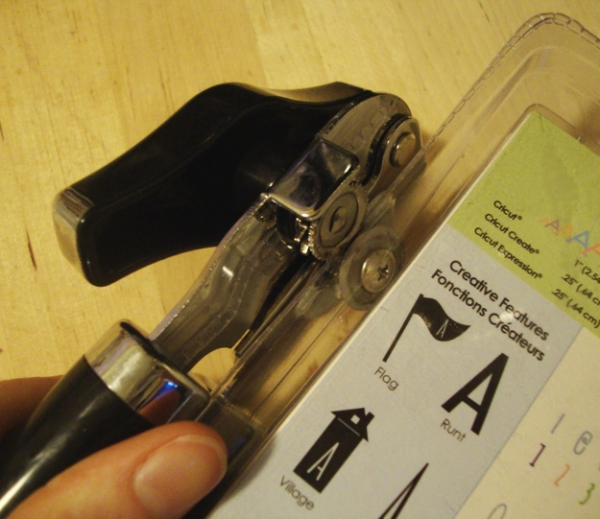 Random Household Tips: Use a can opener to open sealed plastic packaging at BuzzFeed via lilblueboo.com