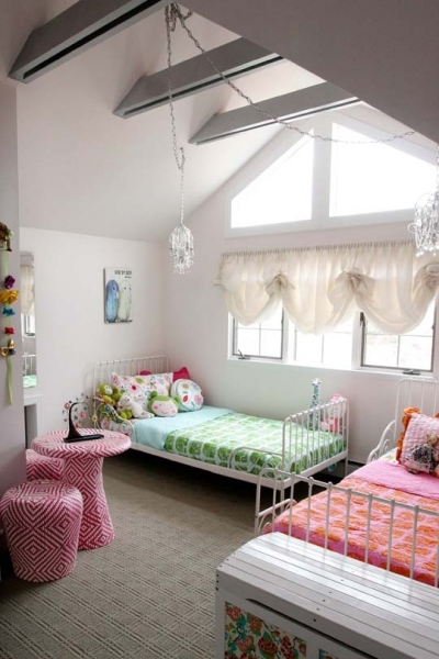 Shared Bedroom Ideas for Kids: Colorful Shared Room at Apartment Therapy via lilblueboo.com