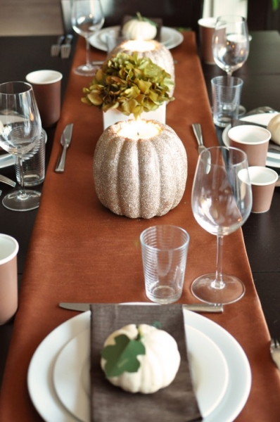 DIY Glitter Pumpkin Candle Holders for your Centerpiece via lilblueboo.com