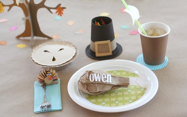 DIY Thanksgiving Craft Ideas for Kids Table via lilblueboo.com