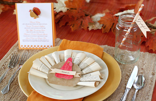 Fun DIY ideas for Thanksgiving table place settings via lilblueboo.com