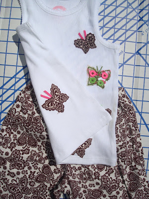 Applique Tutorial step 11 via lilblueboo.com