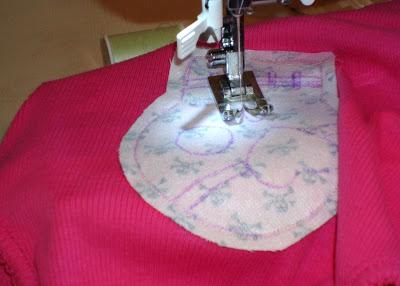Reverse Applique Tutorial step 8 via lilblueboo.com