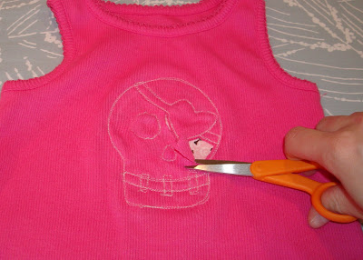 Reverse Applique Tutorial step 11 via lilblueboo.com