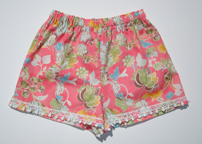 Lace Detail on Shorts via lilblueboo.com