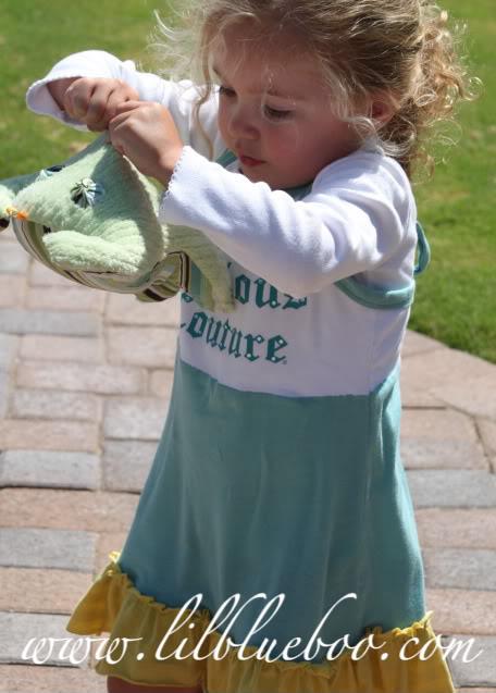 Cute as a jumper with a frog via lilblueboo.com
