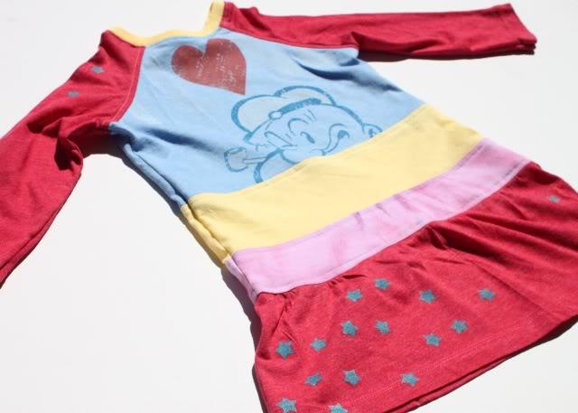 Sienna dress using four different t-shirts via lilblueboo.com