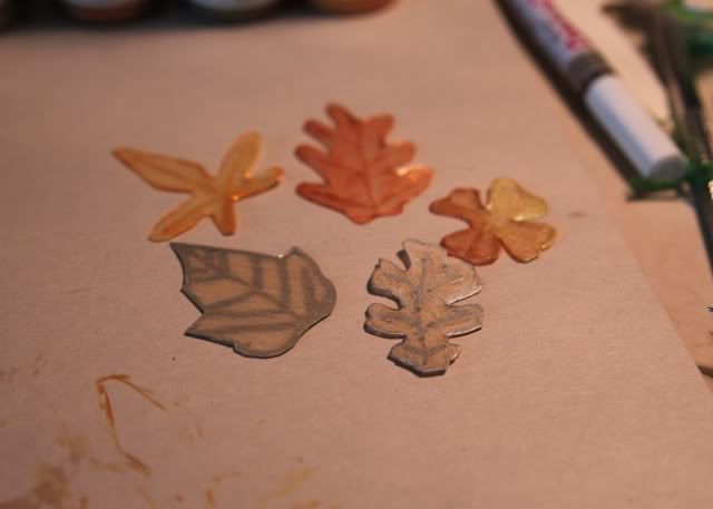 How to make a necklace with Shrinky Dinks! Remember those? DIY Tutorial step 3a via lilblueboo.com