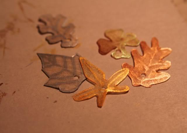 How to make a necklace with Shrinky Dinks! Remember those? DIY Tutorial step 4a via lilblueboo.com
