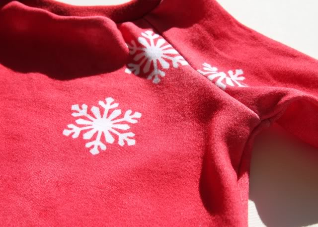 Snowdrift Dress - Tutorial 3 via lilblueboo.com