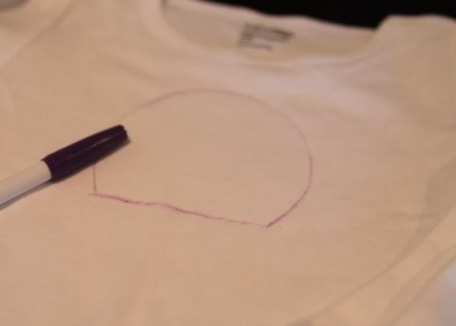 Snowglobe Shirt - Tutorial step 2 via lilblueboo.com