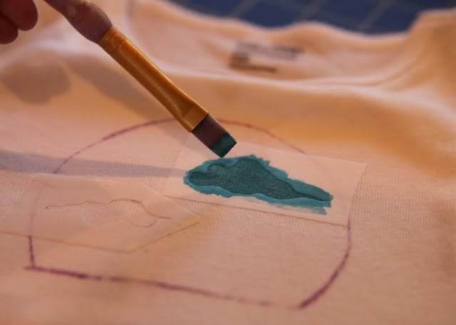 Snowglobe Shirt - Tutorial step 5 via lilblueboo.com