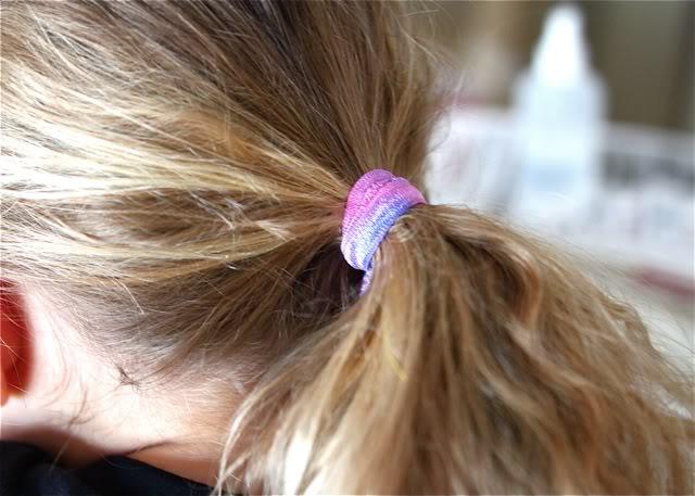 Tie Dye Elastic Accessories / Hair Tie Tutorial via lilblueboo.com