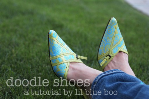 Paint your shoes with this doodle shoe update tutorial DIY via lilblueboo.com