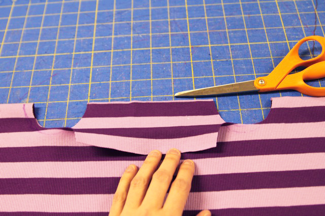 How to make an easy square top. DIY tutorial via lilblueboo.com