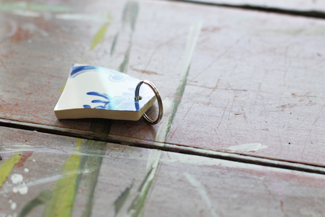How to make upcycled accessories from broken china via lilblueboo.com