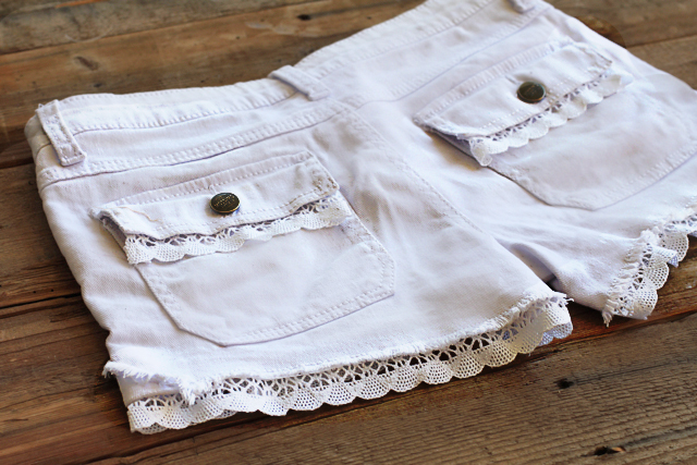 How to add lace to shorts DIY Tutorial via lilblueboo.com