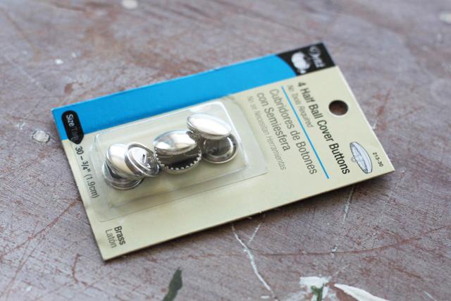 Fabric Covered Buttons DIY Tutorial via lilblueboo.com