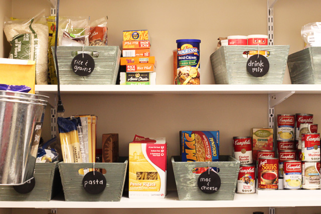 Pantry Organization via lilblueboo.com