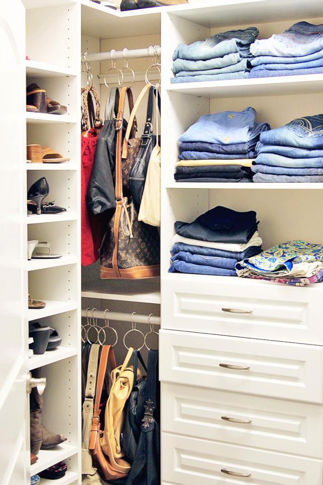 Closet Organization: Handbag and Accessory organization with rings via lilblueboo.com