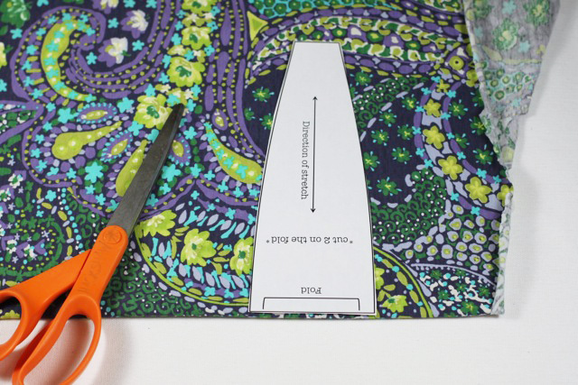 How to make a knit headband. Free pattern download. DIY Tutorial via lilblueboo.com