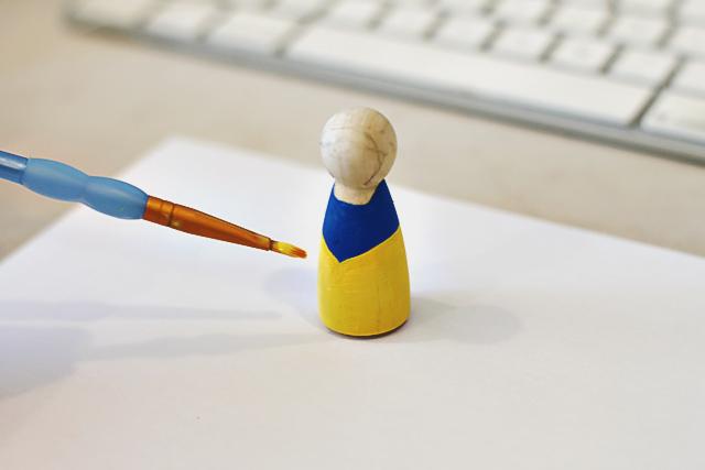 How to paint DIY princess peg dolls via lilblueboo.com