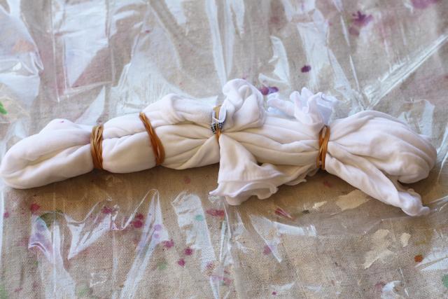 How to Tie Dye Shapes (Step 7) via lilblueboo.com