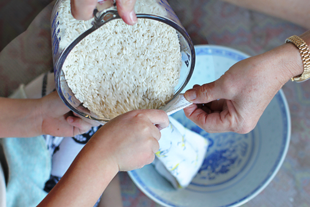 How to Make Aromatherapy Rice Bags