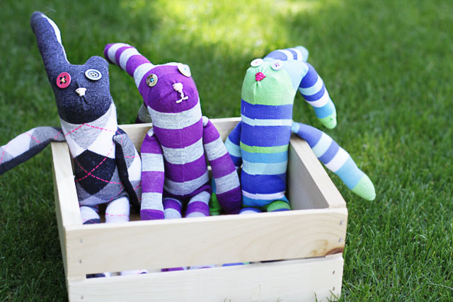 Easy Knee High Sock Bunnies! DIY Tutorial via lilblueboo.com