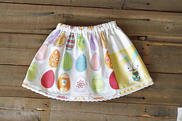 The Dishtowel Skirt 9 (A Tutorial) via lilblueboo.com