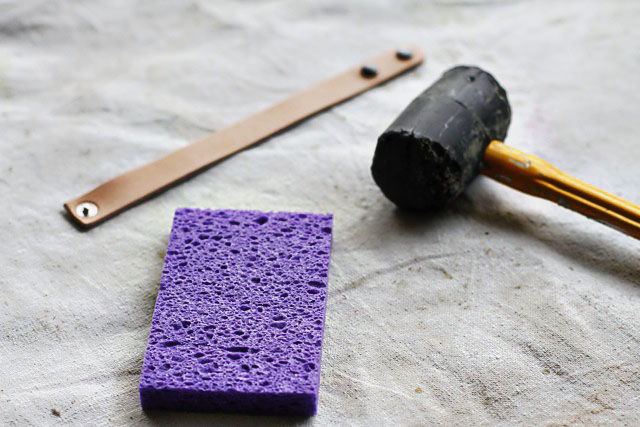 Stamped Leather Bracelets - step1 - DIY Tutorial via lilblueboo.com