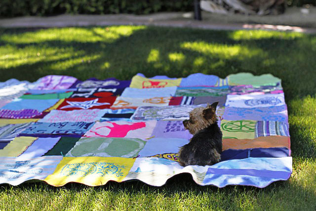 How to make a memory quilt from baby blankets, clothes and t-shirts. DIY tutorial 26 via lilblueboo.com