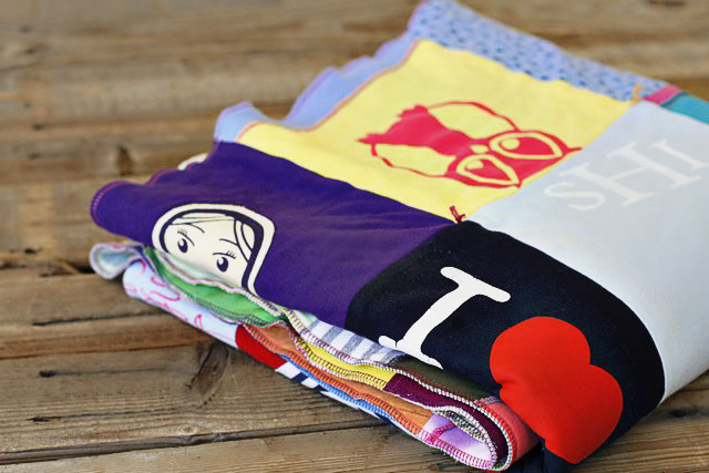 How to make a memory quilt from baby blankets, clothes and t-shirts. DIY tutorial 27 via lilblueboo.com
