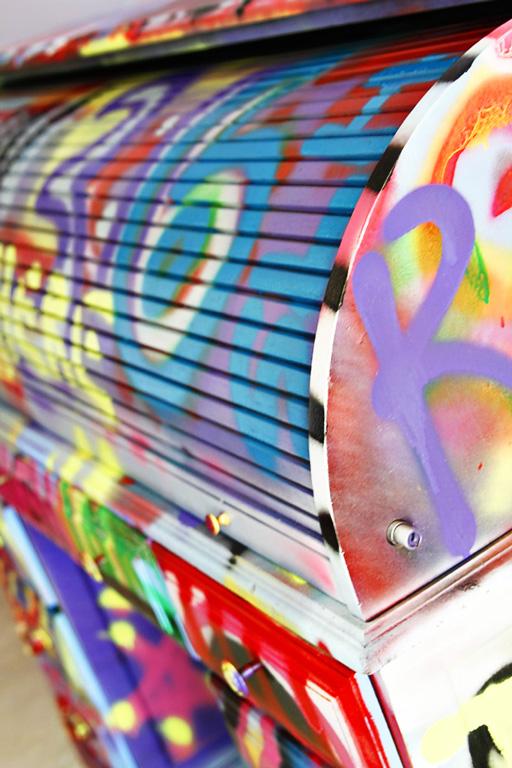 Spraypaint graffiti furniture tutorial5 via lilblueboo.com
