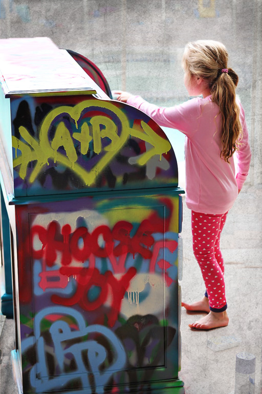 Spraypaint graffiti furniture tutorial3 via lilblueboo.com