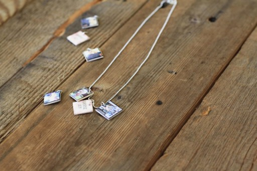 Make Miniature Popsicle Stick Photo Pendants#instagram via lilblueboo.com