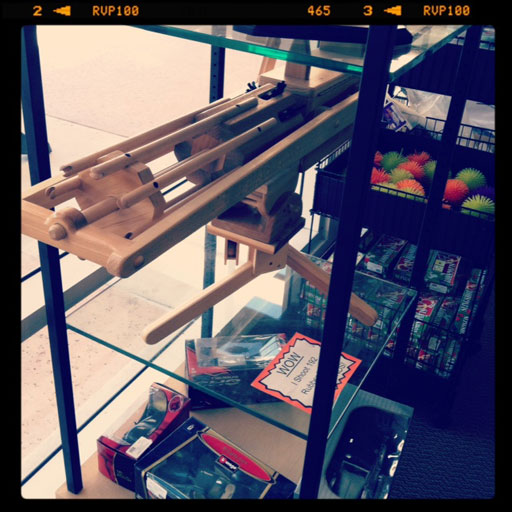 Gatling Style Rubber Band Gun (192 per minute) via lilblueboo.com