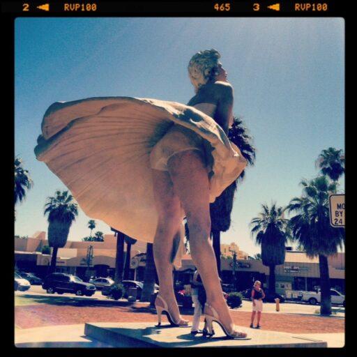 Marilyn Monroe Statue in Palm Springs via lilblueboo.com