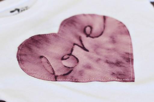 Easy Bleach Batik Technique - Finished Applique via lilblueboo.com