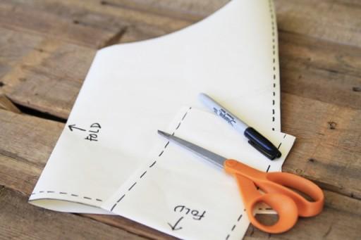 DIY Suede Fringe Bag (template) via lilblueboo.com