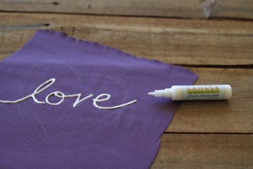 Easy Bleach Batik Technique - applique via lilblueboo.com